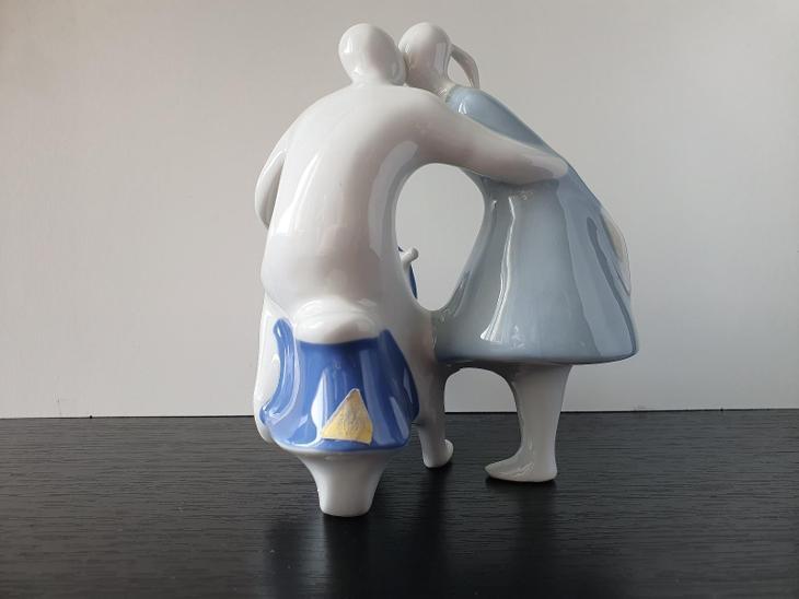 Soška - Milenci s čezetou - Royal Dux Bohemia - styl Brusel - porcelán - Porcelán