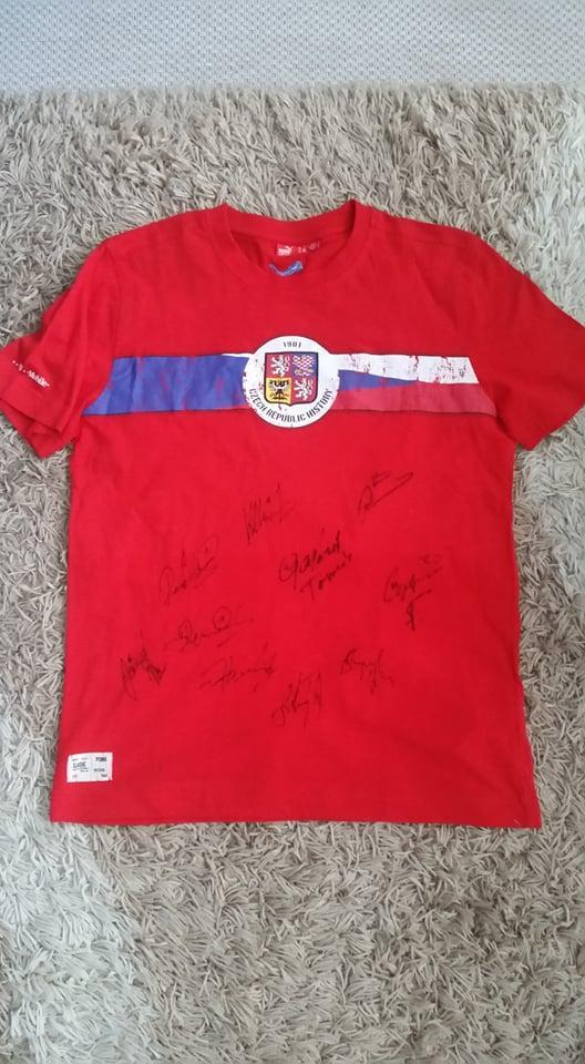 Triko česká fotbalová reprezentace s podpisy  - Sportovní sbírky