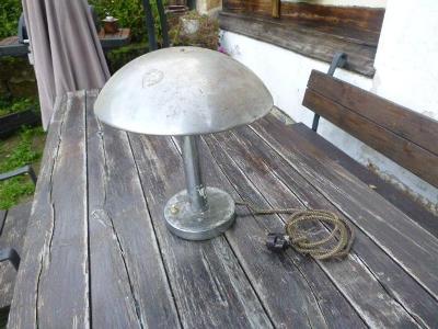 Stará stolní velká lampička