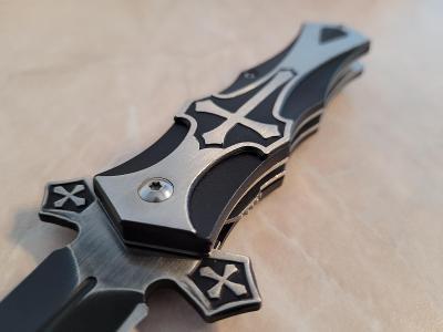 Vystřelovací nůž