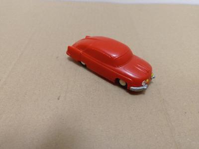 Igra Tatra 603 autíčko stará hračka
