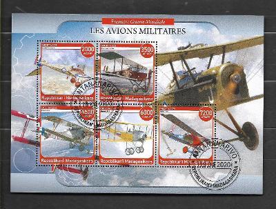 Madagaskar-první světová válka-letadla-Morane-Saulnier +4 dvojplošníky