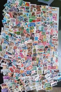 Každá jiná - poštovní známky USA 368ks