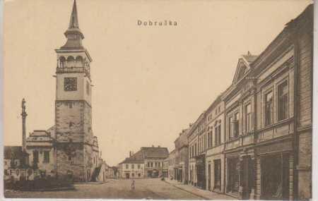 Dobruška, radnice, část náměstí