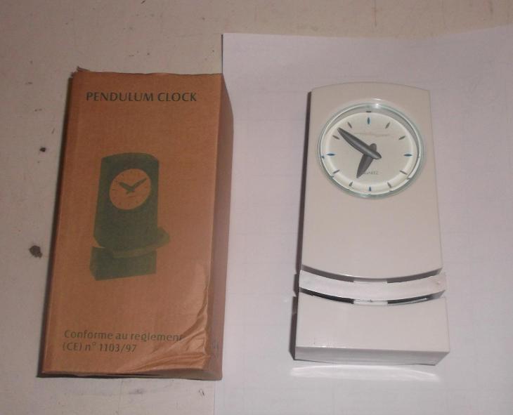 Stolní hodiny s kyvadlem - Zařízení