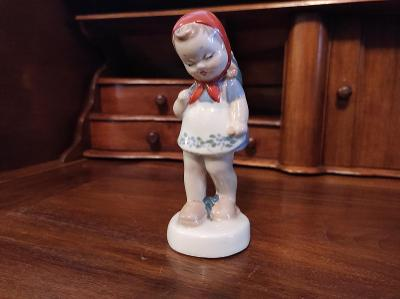 Krásná starožitná porcelánová soška - dívka s košíkem - RD Duchcov