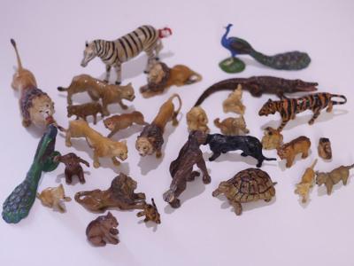 Konvolut starožitných figurek - exotická zvířata