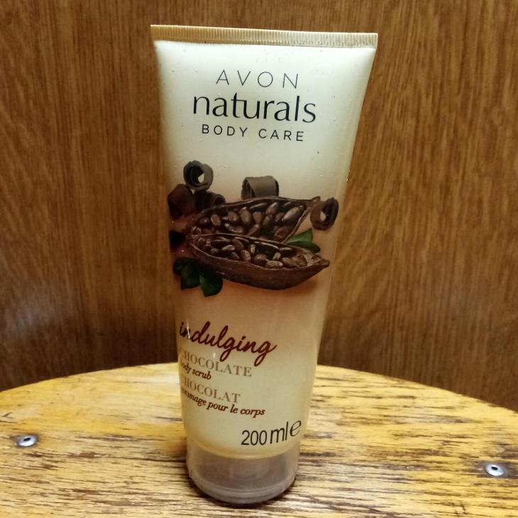 Tělový peeling s čokoládou AVON, min.2/3 ze 200 ml - Ošetřující kosmetika
