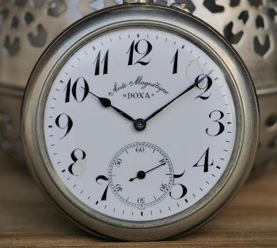 Kapesní hodinky DOXA - obrovské - 68mm bez korunky