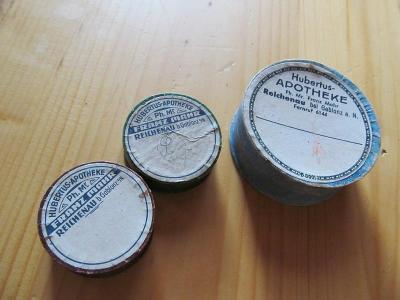 3.KRABIČKY HUBERTUS, APOTHEK,GABLONZ a N.5,5x2,2.a 3,6x1,4cm.