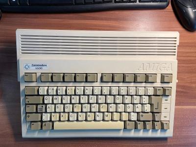 Amiga 600, zdroj, HDD, myš, síťovka aj. od 1,- Kč