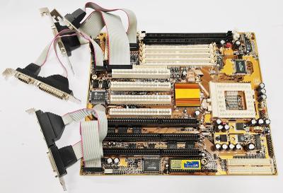 Základní deska PCChips M571 Socket 7  -  kus HISTORIE !