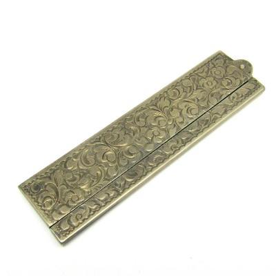 Stříbrný gravírovaný hřeben
