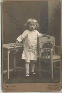 dítě židle stůl foto M. Hůlek Ostrava