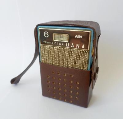 Tranzistorové rádio Tesla Dana, rok výroby 1965/1966