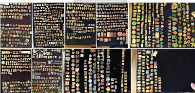 Velká sbírka odznaků