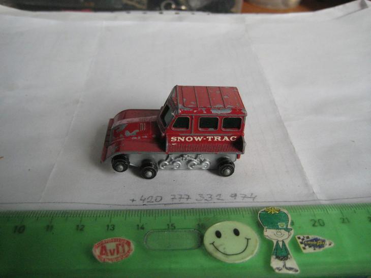 "MATCHBOX, RW, No 35-B-1, SNOW TRAC TRACTOR, "" SNOW-TRAC"", - Modelářství"