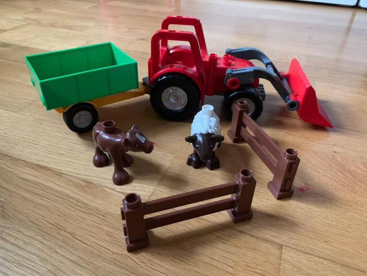 Lego Duplo 4962 Baby Zoo + 5647 Velký traktor - Hračky
