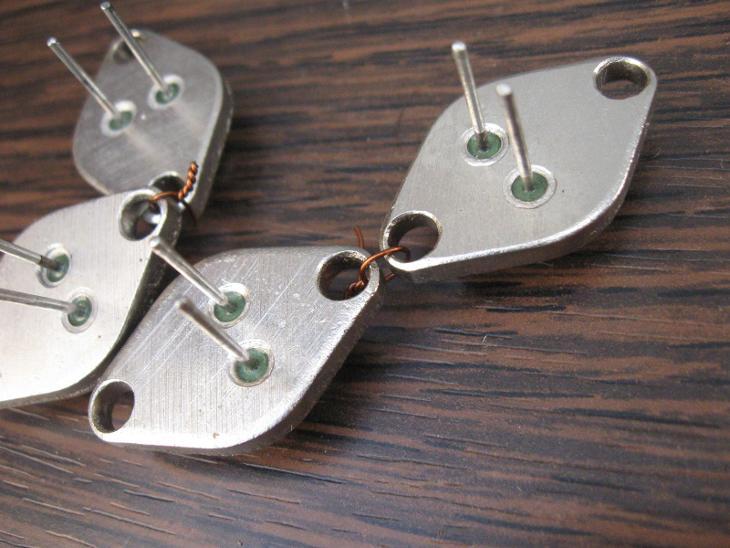 TESLA Germaniový výkonový tranzistor 4NU72 - 2 páry - nové, nepoužité  - Starožitnosti