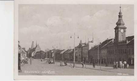 Rakovník, náměstí, AUTO, foto Sadil