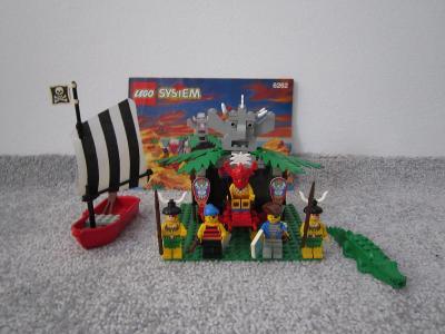 Lego Piráti 6262, Sídlo islanderů z 90 let