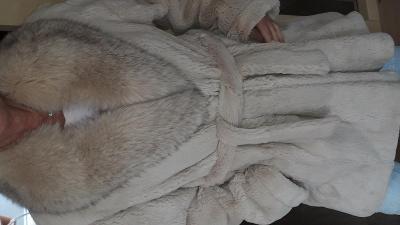 Kara Trutnov - dámský kožich - králík - límec liška velikost 38-40