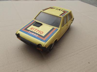 Staré autíčko ITES Fiat Ritmo