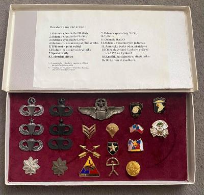 Kazeta s odznaky amerických výsadkářů. rok - 1990