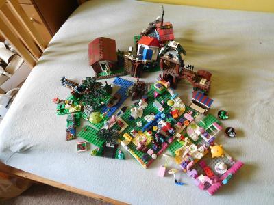Lego - dílky - asi 1,9 kg