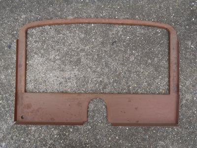 Tatra 57 sport čistá replika mezistěny mezi sedačkou a kufrem