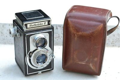 Starý německý fotoaparát REFLEKTA II z dědictví po sběrateli film 6x6