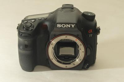 SONY Alpha SLT A77