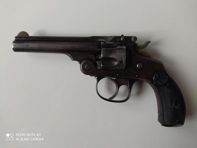 Starožitný revolver Smith-Wesson Cal.32
