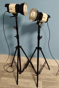 Atelierové reflektory, výbojky 2x 36W + 2x stativ