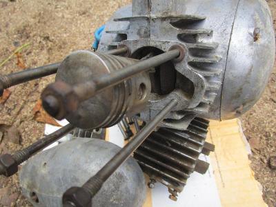 Motor Jawa 555