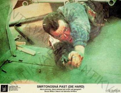 Smrtonosná past (Die hard) fotoska Bruce Willis
