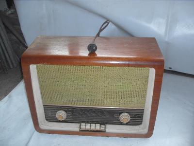 Tesla Kantána staré rádio