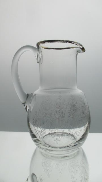 S4. Starožitný džbán sklo