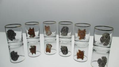 S4. Sada šesti sklenic likérek s motivem psů