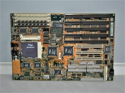 základní deska s procesorem Pentium - 100 MHz (10)