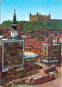 Bratislava, pohled na hrad v rekonstrukci, Hurbanovo náměstí