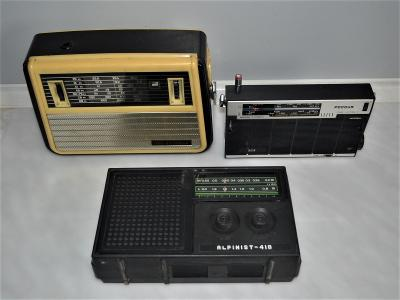3x staré ruské rádio (1)