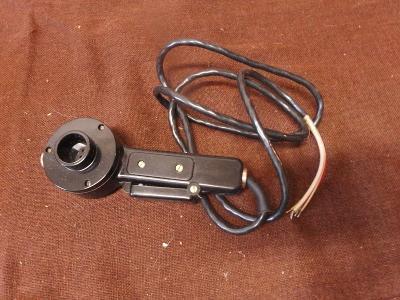 *++ Původní staré sluchátko z vysílačky asi z letadla