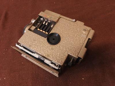 *++ Nějaký starý přístroj - technika , z letadla - asi MIG