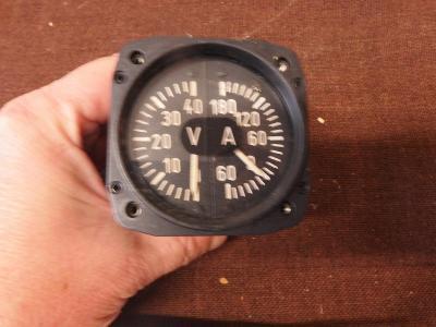 *++ Starý přístroj z letadla MIG - budík - Volt a Ampermetr
