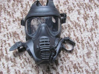 Anglická vojenská plynová maska