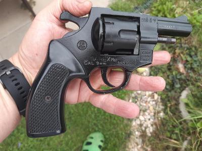 Plynovka - Plynový revolver Umarex mod. Champion 380 knall CAL. 9 mm