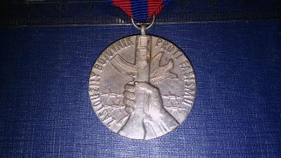 TOP vyznamenání-zasloužilý bojovník proti fašismu-SUPER stav