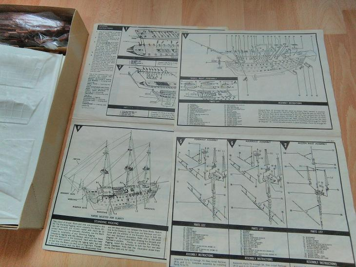Plastový model lodi Victoria, rozestavěné.  - Modelářství