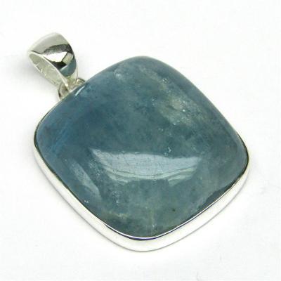 Stříbrný přívěsek s akvamarínem